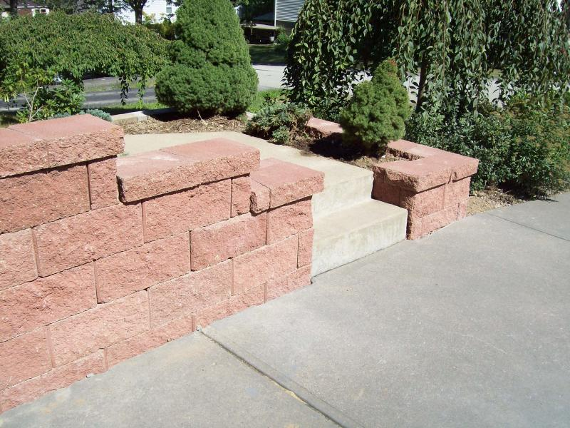 retaining wall, blough contracting, washington pa. 724-745-7735
